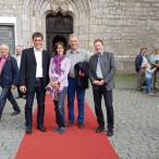 Die SPD-Kreisräte auf dem roten Teppich vor dem Ulmer Münster